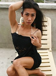 Ladyboy fills tight ass with big toy