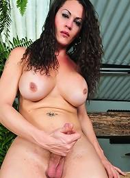 Sweet Hottie Rabeche Rayale Posing